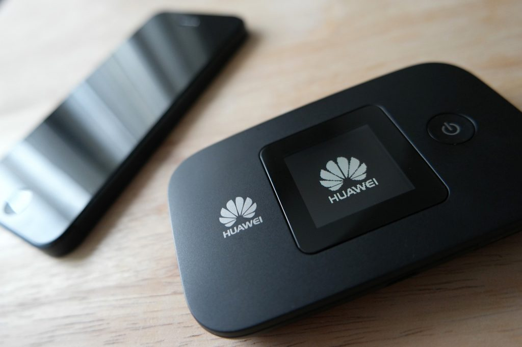 Connecting a home network to the Internet, Image showing a mobile Wifi or Mifi device made by Huaweii.